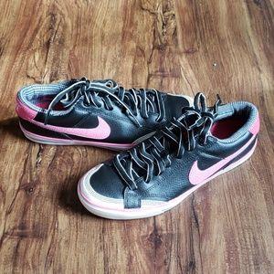 Nike Shoes - Pink & Black Nike's Women's Capri II, size 7.5